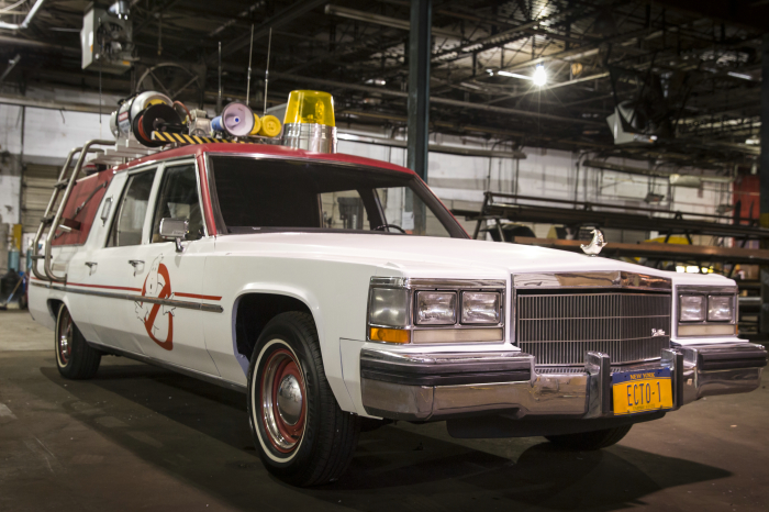 Der ECTO-1 am Set von Sony Pictures' GHOSTBUSTERS. © 2015 Sony Pictures Releasing GmbH
