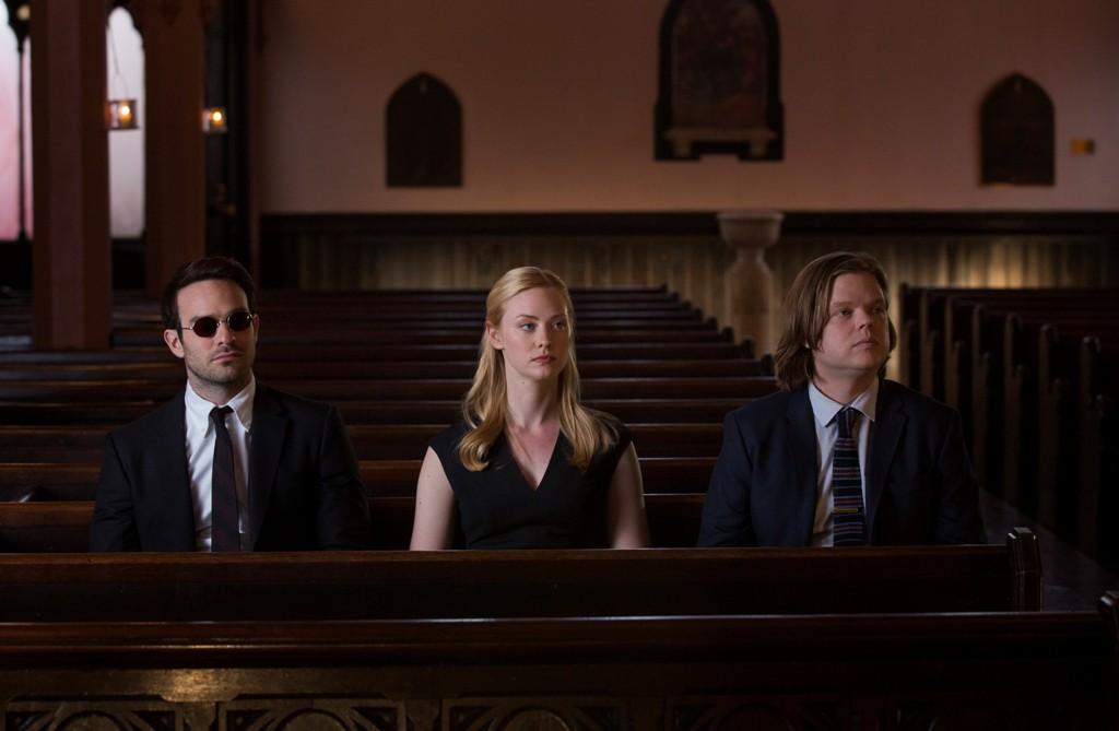 Matt Murdock (Charlie Cox), Karen Page (Deborah Ann Woll) unf Foggy (Elden Henson) © Netflix